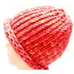 Korai eper színű kötött sapka