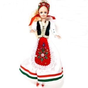 Baba magyar népviseletben - Anna