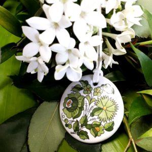 Kalocsai medál - zöld virágos